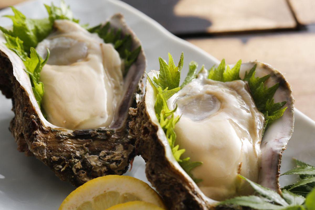 天然岩牡蠣と海賊焼きプラン